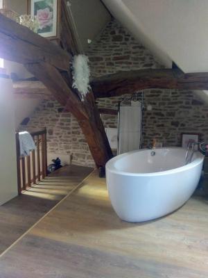 Proche Pommard (21),vends maison dans village viticole de 120m²,3 chambres dont une suite parentale., SUITE PARENTALE 35 M2