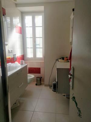 Proche Pommard (21),vends maison dans village viticole de 120m²,3 chambres dont une suite parentale., SALLE DE DOUCHE 4 M²