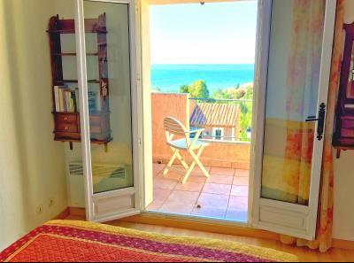 Théoule sur Mer, (06 Alpes Maritimes)à vendre maison jumelée exposé plein sud vue mer, terrasse 20m2, chambre