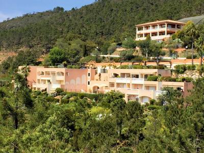 Théoule sur Mer (06 Alpes Maritimes), à vendre studio, vue mer panoramique, terrasse 9m50 plein SUD., résidence