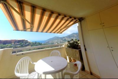 Théoule sur Mer (06 Alpes Maritimes), à vendre studio, vue mer panoramique, terrasse 9m50 plein SUD., terrasse 9,50m2 & panorama