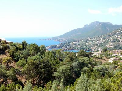 Théoule sur Mer (06 Alpes Maritimes), à vendre studio, vue mer panoramique, terrasse 9m50 plein SUD., panorama