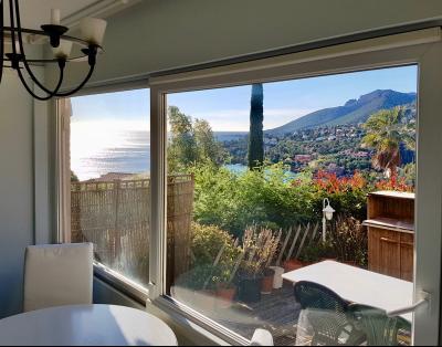 Théoule sur Mer (06 Alpes Maritimes), à vendre appartement vue mer, terrasse 20m2 exposé sud ouest,