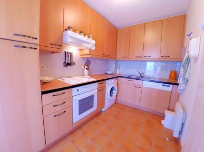 Théoule sur Mer, (06 Alpes Maritimes) à vendre maison vue mer, jardin 100m2 exposé sud, garage., cuisine