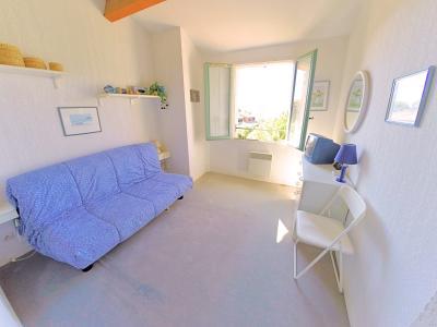 Théoule sur Mer, (06 Alpes Maritimes) à vendre maison vue mer, jardin 100m2 exposé sud, garage., chambre2