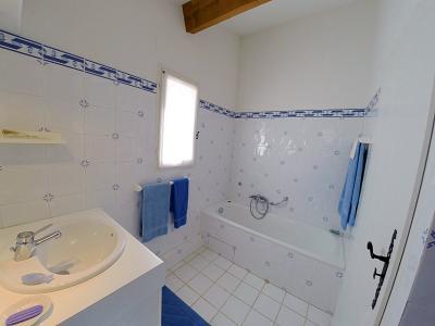 Théoule sur Mer, (06 Alpes Maritimes) à vendre maison vue mer, jardin 100m2 exposé sud, garage., Salle de bains