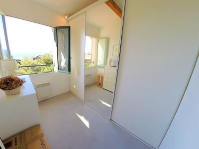 Théoule sur Mer, (06 Alpes Maritimes) à vendre maison vue mer, jardin 100m2 exposé sud, garage., dressing-chambre 3
