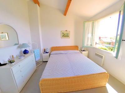 Théoule sur Mer, (06 Alpes Maritimes) à vendre maison vue mer, jardin 100m2 exposé sud, garage., chambre 1