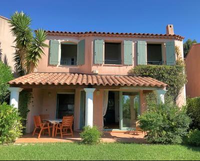 Théoule sur Mer, (06 Alpes Maritimes) à vendre maison vue mer, jardin 100m2 exposé sud, garage., extérieurs