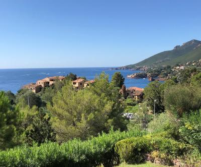 Théoule sur Mer, (06 Alpes Maritimes) à vendre maison vue mer, jardin 100m2 exposé sud, garage., panorama