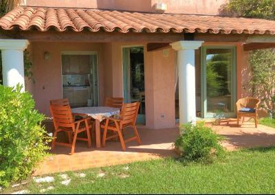 Théoule sur Mer, (06 Alpes Maritimes) à vendre maison vue mer, jardin 100m2 exposé sud, garage., terrasse couverte