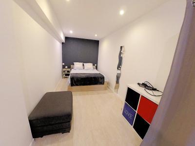 Le Cannet (06 Alpes Maritimes) à vendre appartement style loft-atelier 160m², centre vieux Cannet., chambre 2