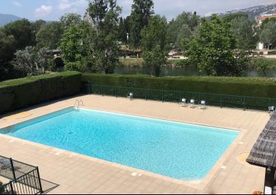 Mandelieu la Napoule (06 Alpes Maritimes), à vendre appartement 48m2 proche plages et commodités, piscine copropriété
