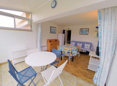 Mandelieu la Napoule (06 Alpes Maritimes), à vendre appartement 48m2 proche plages et commodités, séjour