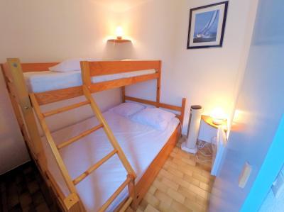 Mandelieu la Napoule (06 Alpes Maritimes), à vendre appartement 48m2 proche plages et commodités, chambre d