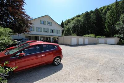 Clairvaux les Lacs (39 JURA), à louer appartement T3 de 76 m² avec garage., COPROPRIETE AVEC GARAGE