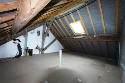 Lons-le-Saunier centre-ville (39 JURA), à vendre maison de ville de 6 pièces sur 239 m² de terrain., Grenaier 26 m²