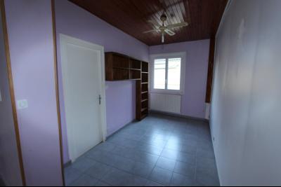 Lons-le-Saunier centre-ville (39 JURA), à vendre maison de ville de 6 pièces sur 239 m² de terrain., Salon ou chambre possible