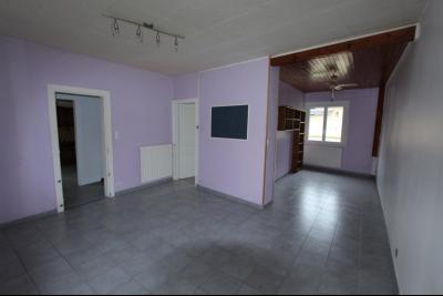 Lons-le-Saunier centre-ville (39 JURA), à vendre maison de ville de 6 pièces sur 239 m² de terrain., Séjour / Salon 27 m²