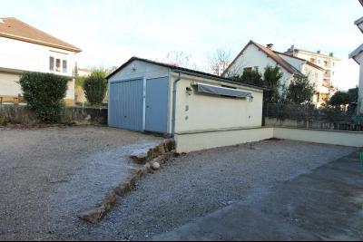 Lons-le-Saunier centre-ville (39 JURA), à vendre maison de ville de 6 pièces sur 239 m² de terrain., Cour et garage indépendant