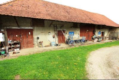 BELLEVESVRE (Saône-et-Loire)), à vendre ancienne ferme sur 7215 m² de terrain., Dépendance 250 m² env.
