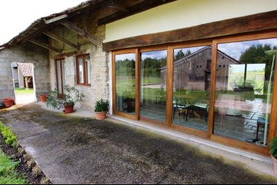 Bellevesvre (71 - Saône et Loire), à vendre maison rénovée avec 2 chambres et dépendances., Côté Est