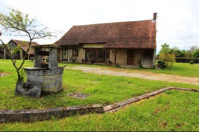 Bellevesvre (71 - Saône et Loire), à vendre maison rénovée avec 2 chambres et dépendances., Terrain utile : 3000 m² env.