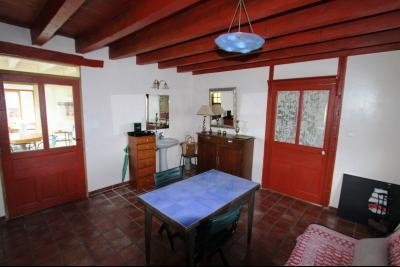 Bellevesvre (71 - Saône et Loire), à vendre maison rénovée avec 2 chambres et dépendances., Entrée 23 m²