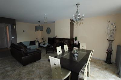 Perrigny (39 JURA), à vendre maison comprenant de 2 logements indépendants avec jardin et garage., RDC T4 : Séjour - salon de24 m²