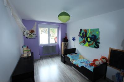 Perrigny (39 JURA), à vendre maison comprenant de 2 logements indépendants avec jardin et garage., RDC T4 :  CH3 de 10,80 m²