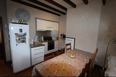 Perrigny (39 JURA), à vendre maison comprenant de 2 logements indépendants avec jardin et garage., Coin Cuisine du T3