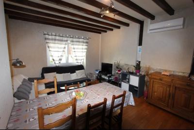 Perrigny (39 JURA), à vendre maison comprenant de 2 logements indépendants avec jardin et garage., Coin Séjour du T3