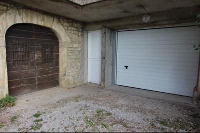Perrigny (39 JURA), à vendre maison comprenant de 2 logements indépendants avec jardin et garage., Accès cave (60 m²) du T4