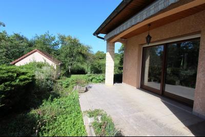 Lons-le-Saunier (39 JURA), à vendre maison de plain-pied, 3 chambres, 2 garages., Terrasse 20 m²