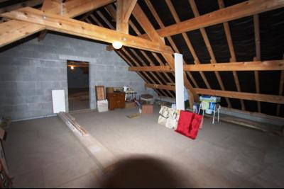 Lons-le-Saunier (39 JURA), à vendre maison de plain-pied, 3 chambres, 2 garages., Combles
