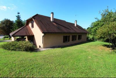 Lons-le-Saunier (39 JURA), à vendre maison de plain-pied, 3 chambres, 2 garages., Maison à vendre 113 m² habitables