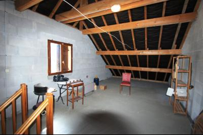 Lons-le-Saunier (39 JURA), à vendre maison de plain-pied, 3 chambres, 2 garages., Grenier