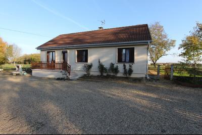 Pierre-de-Bresse (71270) à vendre maison à la campagne avec dépendance sur 8000 m² de terrain., Maison à vendre 88 m²