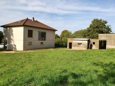 A 4 km du centre de Louhans, vends une maison à finir de rénover sur 2135 m² de terrain., TERRAIN 2135 m²