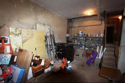 Secteur Domblans (39 JURA), à vendre maison de 8 chambres sur 1620 m² de terrain., CAVE