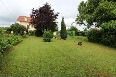 Secteur Domblans (39 JURA), à vendre maison de 8 chambres sur 1620 m² de terrain., TERRAIN 1620 m²