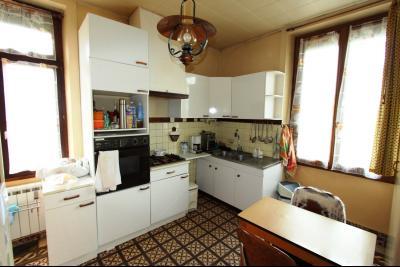 Secteur Domblans (39 JURA), à vendre maison de 8 chambres sur 1620 m² de terrain., CUISINE 11,50 m²