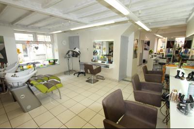 Sellières centre-ville, à vendre fonds de commerce : salon de coiffure en activité., SALON DE COIFFURE
