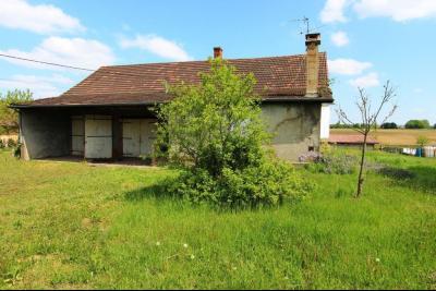Secteur Sens sur Seille (71) à vendre maison de plain-pied à réhabiliter sur 2059 m² de terrain., MAISON A VENDRE 109 m² HABITABLES