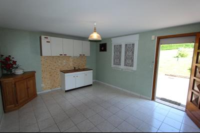 Vends maison contemporaine sur 2 hectares avec piscine chauffée, 6 chambres, proche Lons-le-Saunier., CUISINE STUDIO REZ-DE-CHAUSSEE
