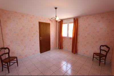 Vends maison contemporaine sur 2 hectares avec piscine chauffée, 6 chambres, proche Lons-le-Saunier., CHAMBRE STUDIO REZ-DE-CHAUSSEE