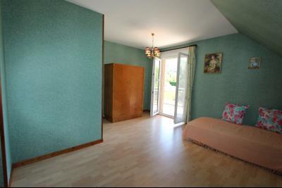 Vends maison contemporaine sur 2 hectares avec piscine chauffée, 6 chambres, proche Lons-le-Saunier., CH4 ETAGE 2
