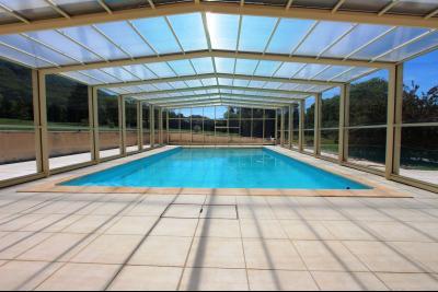 Vends maison contemporaine sur 2 hectares avec piscine chauffée, 6 chambres, proche Lons-le-Saunier., PISCINE 12X6 m