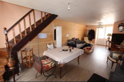 A vendre maison de village, 3 chambres, 553 m² de terrain, au sud de  Lons-le-Saunier., SALON 32 m²