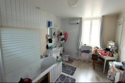 A vendre maison de village, 3 chambres, 553 m² de terrain, au sud de  Lons-le-Saunier., SDB SUITE PARENTALE